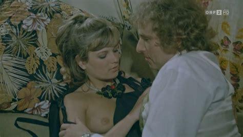 Susan Floyd  nackt