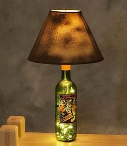 Kerzenhalter Für Flaschen : 26 bastelideen f r diy projekte aus weinflaschen ~ Whattoseeinmadrid.com Haus und Dekorationen