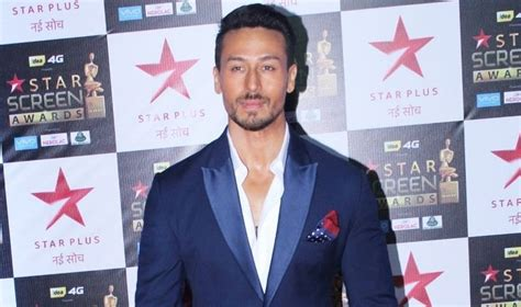 Tiger Shroff Height, Age, Girlfriend, Wife, Family ...