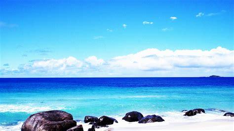 beaches  australia part  melbourne cup