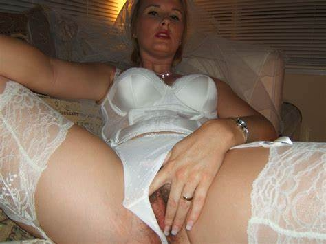 Bride In Vaginal Solo Office Porn Pics