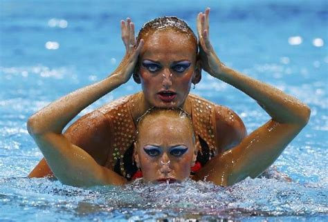 Faces of Synchronized Swimming (13) | Pleated Jeans
