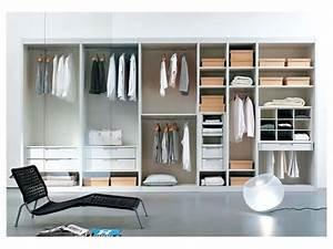 Kleiderschrank Mit Glastüren : begehbarer kleiderschrank mit regalen und glast ren idfdesign ~ Whattoseeinmadrid.com Haus und Dekorationen