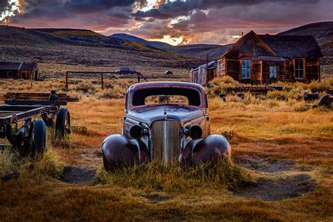 Bodie Night Photo Workshops With Local Pro Photographer