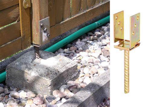 zaunpfosten einbetonieren anleitung zaunpfosten einbetonieren richtig setzen bauen de