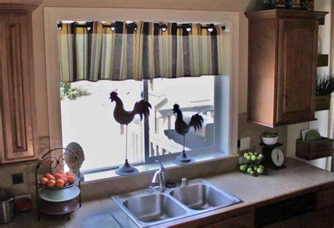 petit rideau cuisine 55 rideaux de cuisine et stores pour habiller les fenêtres