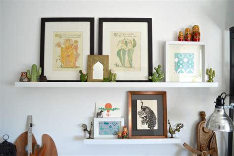 ikea mensola 30 idee per decorare le pareti con le cornici ikea ribba
