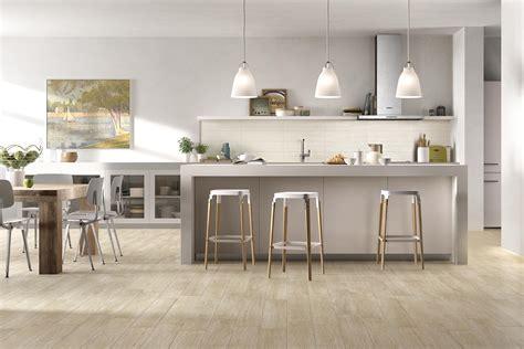 piastrelle cucina effetto legno collezione woodcomfort pavimenti in gres effetto legno