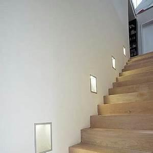 Treppenhaus Beleuchtung Wand : das richtige licht im treppenhaus so sparen sie strom wohnlicht ~ Eleganceandgraceweddings.com Haus und Dekorationen