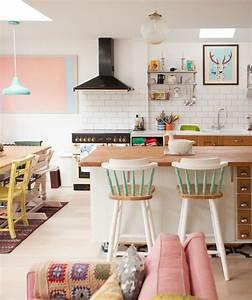 House Tour: A Candy-Colored London Cottage en 2018 | Homes ...