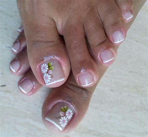 La decoración de uñas en las manos ha tomado mucho protagonismo a lo largo de los años y hoy en día existen infinidad de diseños y de maneras de decorar las uñas para que se vean hermosas para cualquier ocasión que quieras. 60 Uñas decoradas para pies, diseños increibles   Imágenes Totales