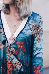 Fru00fchsommer-Outfit mit Zara Kimono und Mom Jeans! - Who is Mocca?