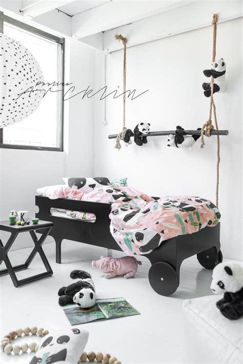 chambre panda une chambre sur le thème des pandas noir blanc enfant