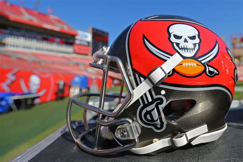 buccaneers remaining   initial  agency push