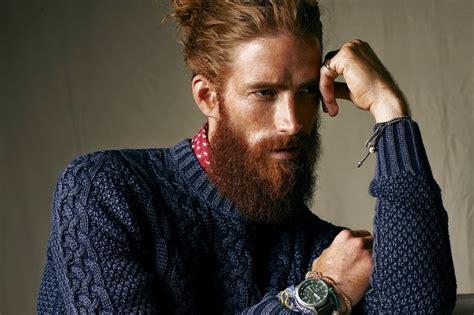 idee  capelli lunghi uomo acconciature