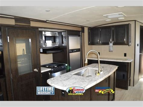 Grand Design Imagine Travel Trailer: Step Up Into Luxury