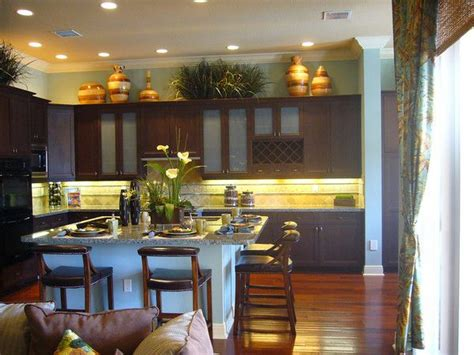 1000+ Ideas About Above Cabinet Decor On Pinterest