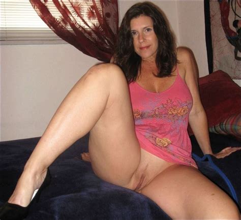 Bottomless Milf Bottomless Vixens Adult Pictures Luscious Hentai And Erotica