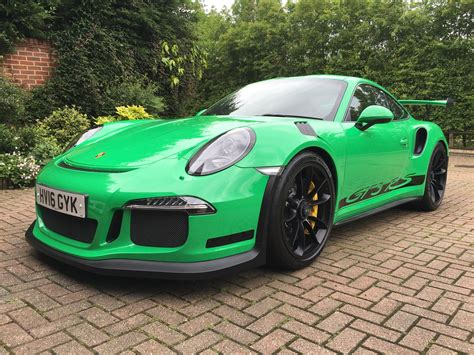 green porsche 911 green gt3 rs