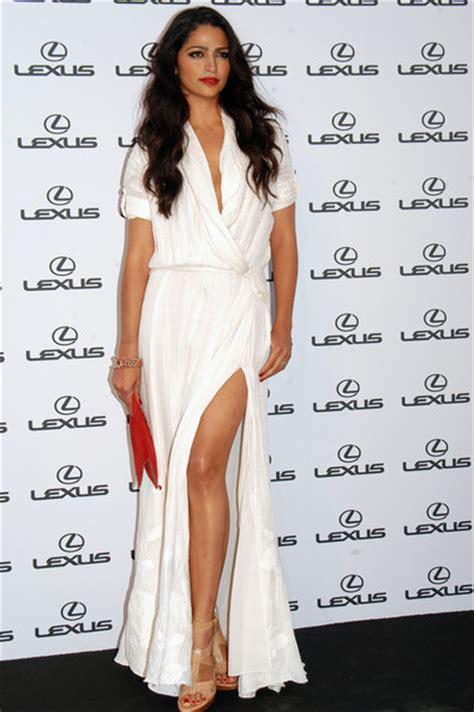 camila alves simple white gown dress