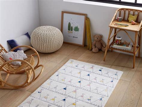 tapis pour chambre fille tapis chambre garcon conceptions de maison blanzza com