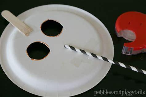 easy paper plate pumpkin mask onecreativemommycom
