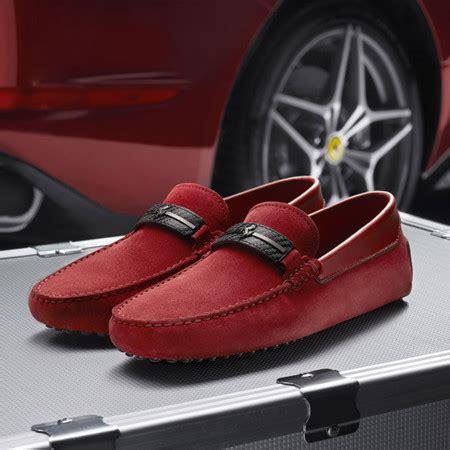 #tods #ferrari #italian #craftsmanship #collection. Tod's y Ferrari se fusionan en una colección de accesorios perfecta para este verano: bolsas ...