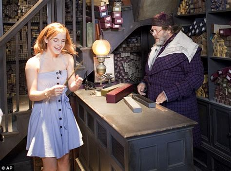 emma watson joins co stars at the wizarding world of harry