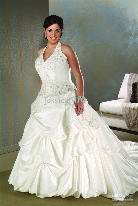 plus size ball gown wedding dress with floor lengthcherry