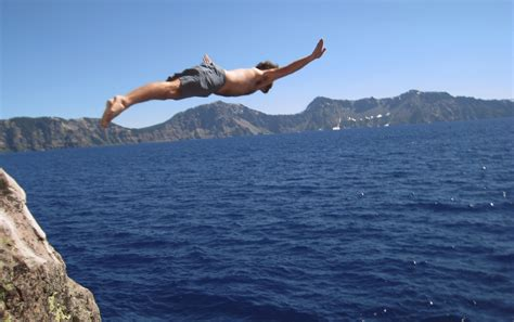 world s best cliff diving drop it like it s hot