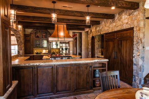 installateur de cuisine professionnelle cuisine batterie de cuisine professionnelle avec violet