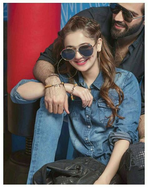 hania amir wedding couple poses photography couple