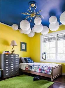 Wandfarbe Kinderzimmer Mädchen : bild farben kinderzimmer junge gelbe wandfarbe kobaltblaue decke gruener teppich ~ Sanjose-hotels-ca.com Haus und Dekorationen