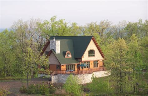 maple forest country cottage    selling plans