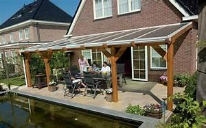 veranda profile sur bois toiture bardage With toit en verre maison 8 construire une serre en bouteilles plastique
