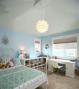 Kinderzimmer Blau Grau : m dchenzimmer einrichten mit farbe blau wei metallbett mit ornamentenreichen kopfteil ~ Markanthonyermac.com Haus und Dekorationen