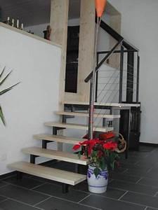 Treppe Im Wohnzimmer : wohnzimmer mit treppen raum und m beldesign inspiration ~ Lizthompson.info Haus und Dekorationen
