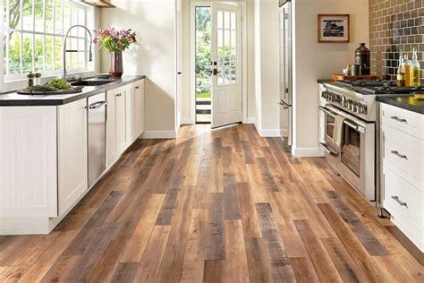 Kādi grīdas segumi virtuvei ir piemērotākie? : building.lv ...