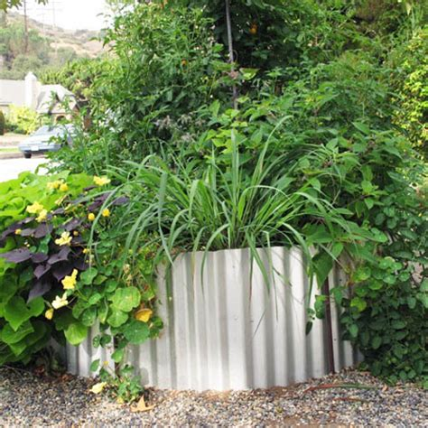 Corrugated Metal Garden Beds by 18 Great Raised Bed Ideas Raised Bed Gardening Balcony