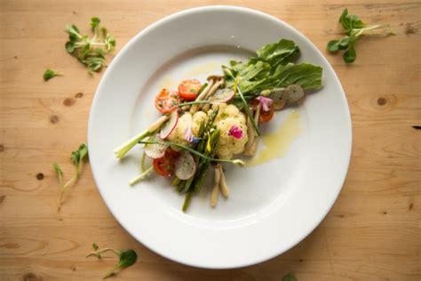 creme fraiche cuisine un bistro de quartier pour la patrie iris gagnon paradis restaurants