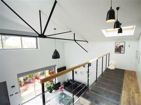 renover porte de placard cuisine 1 hangar transformé en 1 loft aérien au style industriel