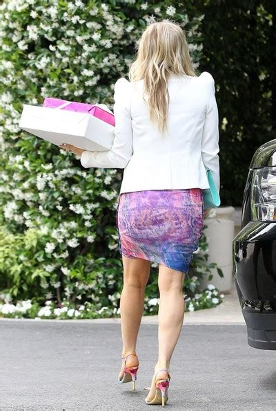Pregnant Fergie Arriving For Heidi Klum Birthday Party