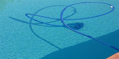 nettoyer sa piscine hors sol nettoyer sa piscine hors sol robot aspirateur automatique ou manuel