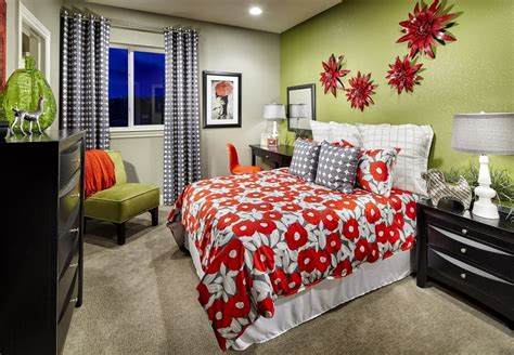 choose  fun color   lime green   accent