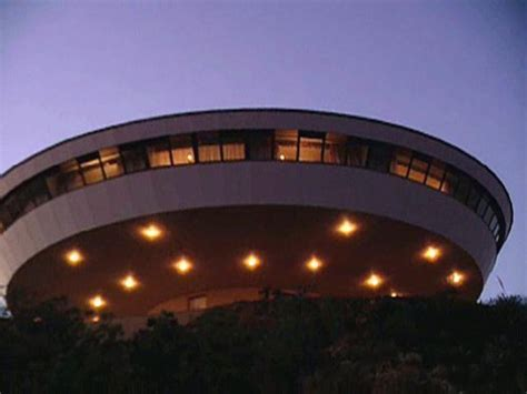 Amazon.com: World's Most Extreme Homes: Ruth England, HG TV