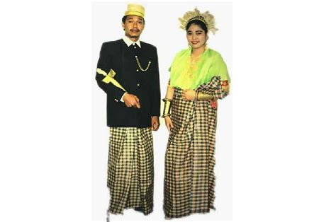 lagu sulawesi barat babung ginasamani gt pakaian adat beautiful indonesia umm