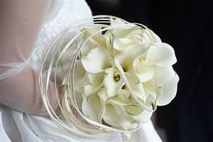 Bouquet De La Mariée : le bouquet de la mari e couronne de fleurs un mariage ~ Melissatoandfro.com Idées de Décoration