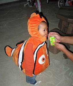 Findet Nemo Kostüm Baby : ber ideen zu finding nemo costume auf pinterest fisch kost m kost me und halloween ~ Frokenaadalensverden.com Haus und Dekorationen