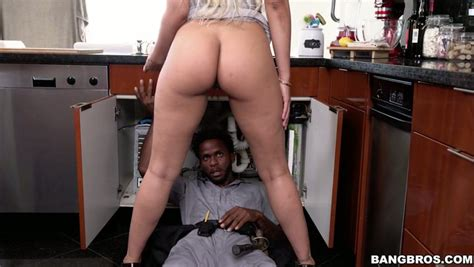 Black Plumber Gets Lucky To Pound Thick Latina Whore Wife
