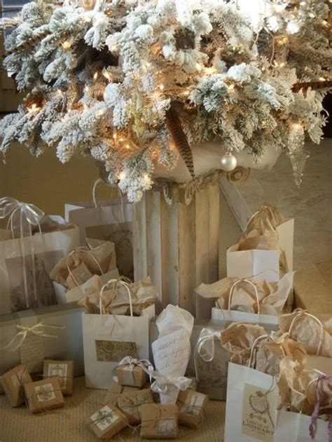 white and gold christmas decor 44 refined gold and white christmas d 233 cor ideas digsdigs